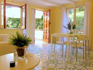 Apartment Lemon in Sorrento centre. - Sorrento vacation rentals