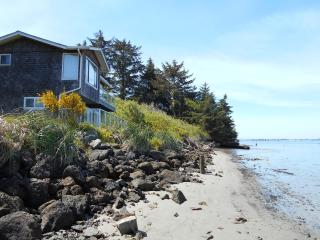 1 bedroom House with Deck in Coos Bay - Coos Bay vacation rentals