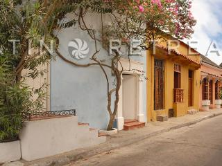 Old city 6 bdr/3 baths - Cartagena ( Faro de luz) - Villavicencio vacation rentals