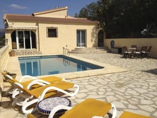 COMFORTABLE VILLA WITH PRIVATE POOL, SEA AND MOUNTAIN VIEW - Jesus Pobre vacation rentals