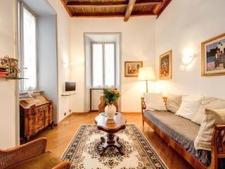 Nice Flat Overlooking Jewish Ghetto - Rome vacation rentals