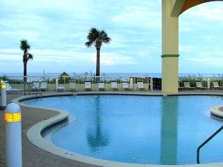 Ocean Front Condo. $1070 including rent taxes clea - Panama City Beach vacation rentals