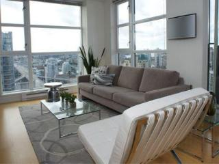 Panoramic views 1 Bed & Den Downtown - Vancouver vacation rentals