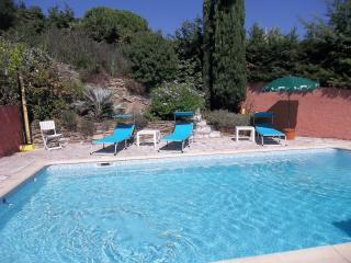 Villa with Balcony and Pool, in Sainte Maxime, on France's Cote d'Azur - Saint-Maxime vacation rentals