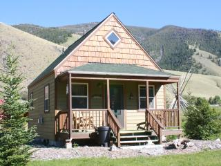 Victorian Home, Cabins, Salmon River of Idaho - Salmon vacation rentals