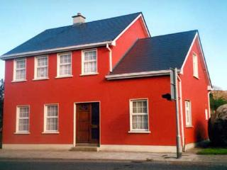 Lovely 3 bedroom House in Foxford with Internet Access - Foxford vacation rentals