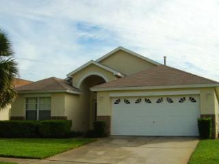 4BD/3BATH, PRIVATE POOL, MINUTES FROM PARKS! - Kissimmee vacation rentals
