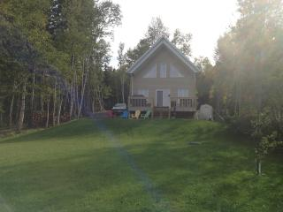 Cottage close to downtown Gaspe - Gaspe vacation rentals