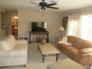 Gorgeous 5 bd, 3bt home away from your home in PHX - Chandler vacation rentals