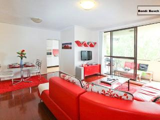 2 bedroom Condo with Internet Access in Bondi - Bondi vacation rentals