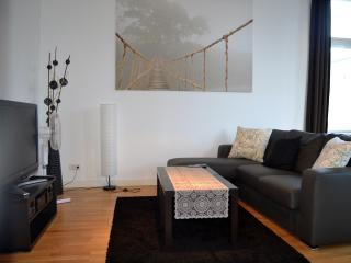 Relaxing and Cozy Vacation Rental with a Balcony - Berlin vacation rentals
