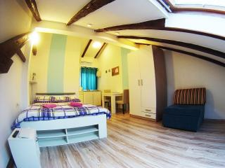 CroParadise Pink Studio Apartment - Split vacation rentals