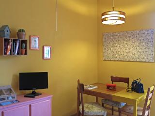 SEMPERVIVUM Santa Croce Colorful Apartment - Florence vacation rentals