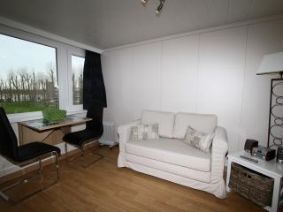 Holiday studios Belgian coast in vacation resort P - De Haan vacation rentals