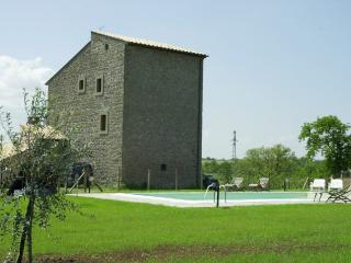 SAN FRANCESCO - From a Medieval Fortress to a Stunning Country Mansion - Penna in Teverina vacation rentals