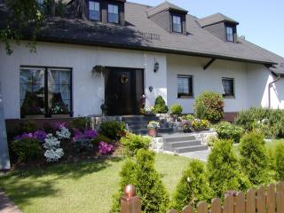 Great Privat House less than 75mi away from Berlin - Straupitz vacation rentals