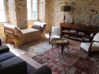 Romantic Apartment for 2 in a Medieval village in Tuscany - Montisi vacation rentals