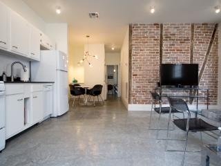 SPECIAL $265/NT--DESIGNER ART LOFT NR FRENCH QRTR! - New Orleans vacation rentals