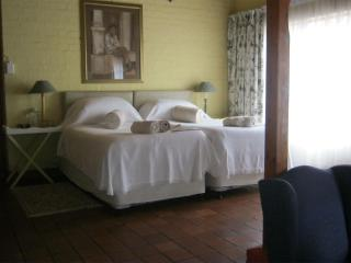 Lovely B&B with Internet Access and Ceiling Fans - Pietermaritzburg vacation rentals