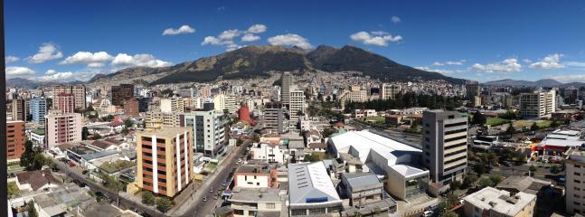 Stunning city and mountains view from the whole apartment - Vacation at at the Mall with incredible views - Quito - rentals