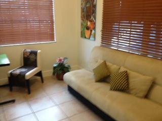 "den with futon and desk - Jewel ""Off-Brickell"" 1 Bedroom + Den, Parking- Gateway to Major Attractions SPECIAL - Coconut Grove - rentals"