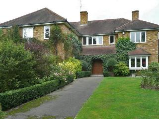 Luxury self-catering in the Berkshire countryside - Binfield vacation rentals