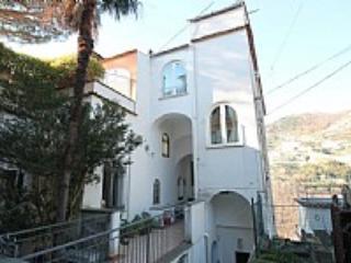 Casa Diamantina C - Cava De' Tirreni vacation rentals
