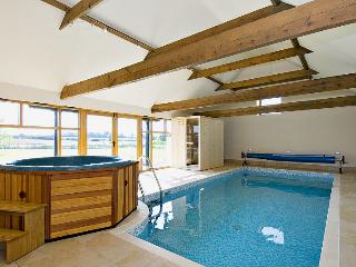 HOLIDAY COTTAGE,4 guests,with Pool,Hot Tub,Sauna - Lincolnshire vacation rentals