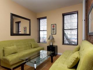 Sleeps 7! 3 Bed/1 Bath Apartment, Times Square, Awesome! (3697) - Manhattan vacation rentals