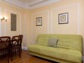 Sleeps 6! 2 Bed/1 Bath Apartment, Upper West Side, Awesome! (6918) - New York City vacation rentals