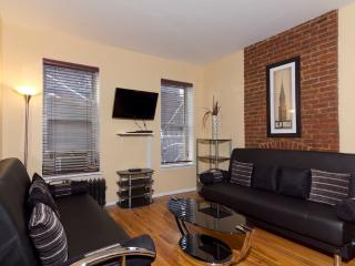 Sleeps 7! 3 Bed/2 Bath Apartment, Times Square, Awesome! (7815) - Manhattan vacation rentals