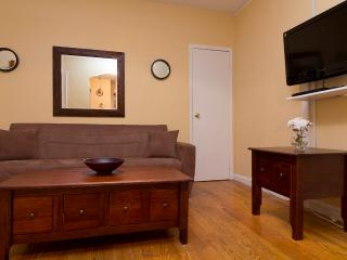 Sleeps 3! 1 Bed/1 Bath Apartment, Midtown East, Awesome! (7936) - Manhattan vacation rentals