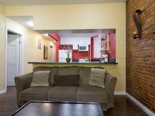 Sleeps 7! 3 Bed/2 Bath Apartment, Times Square, Awesome! (7990) - Manhattan vacation rentals