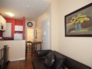 Sleeps 5! 2 Bed/2 Bath Apartment, Times Square, Awesome! (8028) - New York City vacation rentals