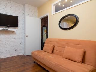 Sleeps 5! 2 Bed/1 Bath Apartment, Times Square, Awesome! (8079) - New York City vacation rentals