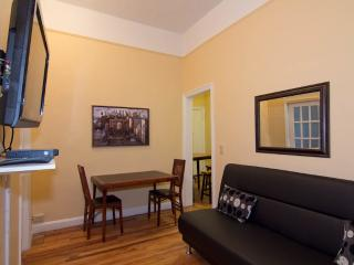 Sleeps 7! 3 Bed/1 Bath Apartment, Murray Hill / Gramercy, Awesome! (8146) - Manhattan vacation rentals