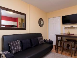 Sleeps 5! 2 Bed/1 Bath Apartment, Upper East Side, Awesome! (8178) - Manhattan vacation rentals