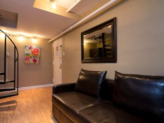 Sleeps 7! 3 Bed/2 Bath Apartment, Times Square, Awesome! (8221) - Manhattan vacation rentals