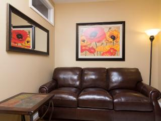 Sleeps 7! 3 Bed/1 Bath Apartment, Times Square, Awesome! (8351) - Manhattan vacation rentals