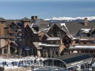 Ski in/out 2 BR  Breckenridge 2/27-3/5 sleeps 8 - Breckenridge vacation rentals