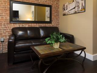 Sleeps 5! 2 Bed/1 Bath Apartment, Times Square, Awesome! (8366) - Manhattan vacation rentals