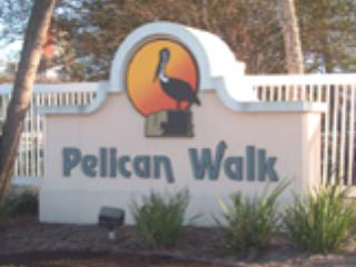 Guld Front Balcony with Spacious 1 Bedroom at Pelican Walk - Image 1 - Panama City Beach - rentals