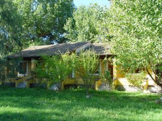 9 studios, 300 m from the sea, Ipsos, Corfu. - Corfu vacation rentals