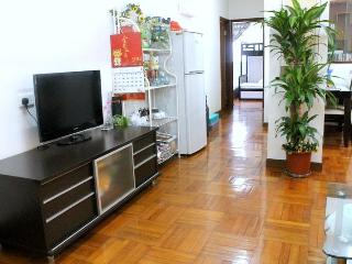 3 Bedroom Apartment fits 14 People in Mong Kok - Shenzhen vacation rentals