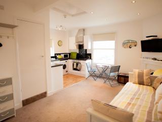 Beautiful Heene Terrace beach studio - West Sussex vacation rentals