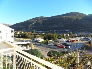 Spacious apartment for 4 in Mokosica, Dubrovnik - Mokosica vacation rentals