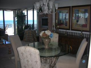 Fabulous Oceanfront Beach Condo with Marvelous Vie - Daytona Beach vacation rentals