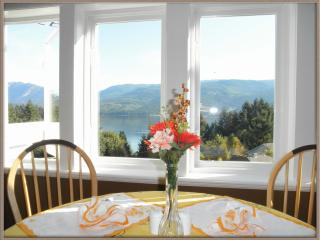 Penthouse Suite with amazing ocean/mountain view - Sechelt vacation rentals