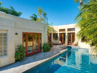 Sleek Modern Terrace features saltwater pool, waterfall, wet bar & close to beach - Newport Beach vacation rentals