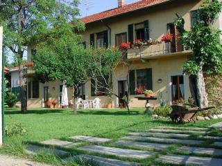 Little room near Malpensa Airport - Cardano al Campo vacation rentals
